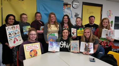 Rio Education Students Provide Books to Elementary Schools